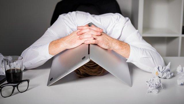 نشخوار-ذهنی-منفی، سامانه مشاوره آنلاین HiExpert