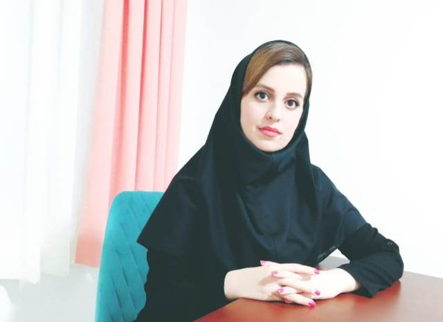 "مشاوره آنلاین خانم دکتر ایزدی عضو سامانه مشاوره آنلاین ""های اکسپرت"""
