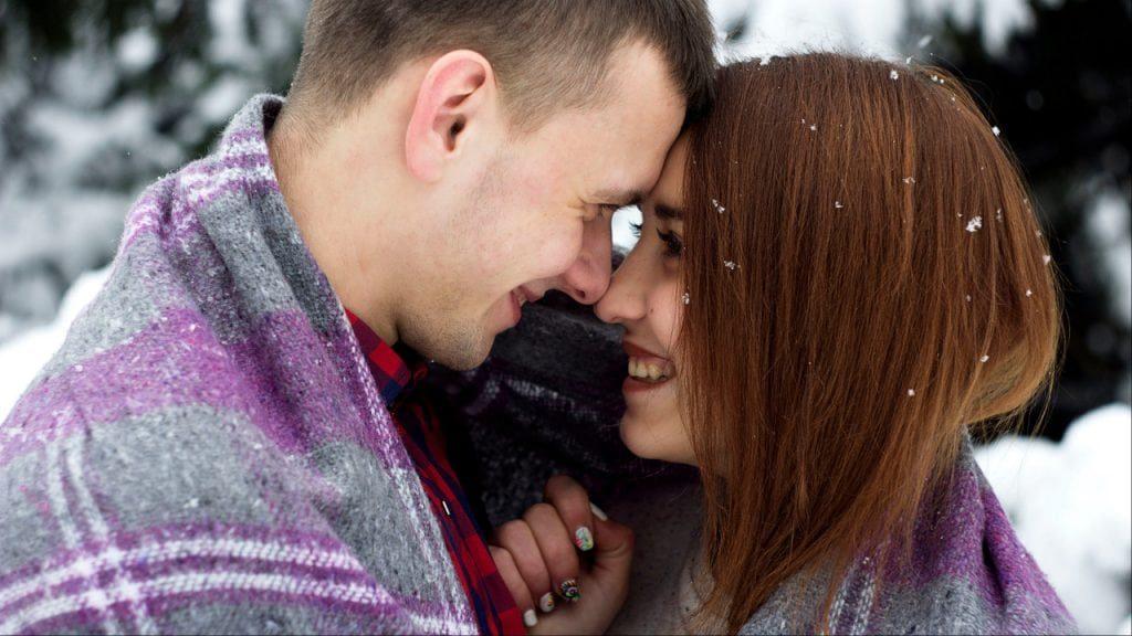 ابراز عشق مردان بیشتر از طریق چشم است