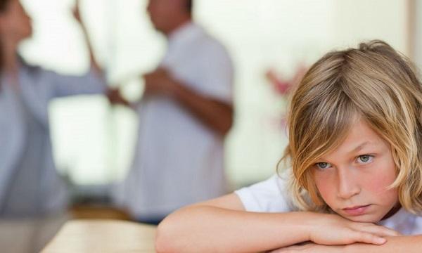 والدین چگونه میتوانند به فرزندان طلاق کمک کنند؟
