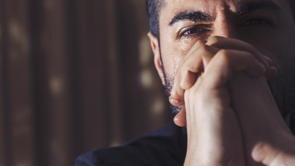چگونه از خودکشی دیگران جلوگیری کنیم؟