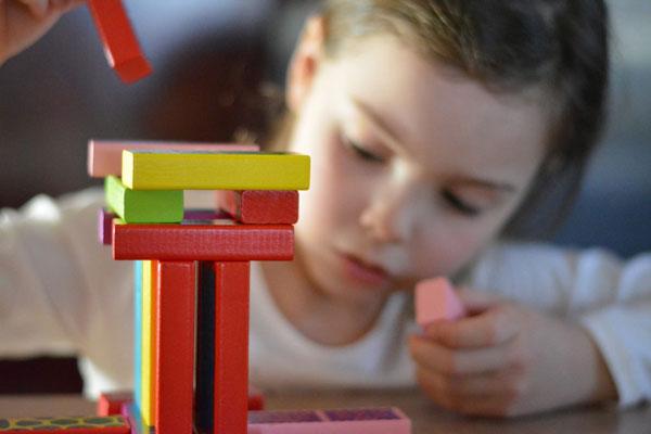 تمرکز کودک با بازیهای افزایش تمرکز کودکان